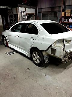 競技車ランサーevolution10の外部塗装 施工前